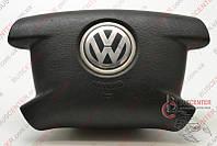 Подушка безопасности водительская (AirBag) Volkswagen Caddy III (2004-……) 2K0880201B