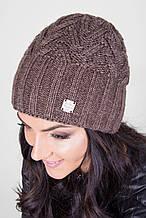 Теплая зимняя шапка красивой структурной вязки