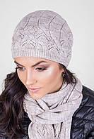 Очень красивый вязаный набор шапка с шарфом в нежно-бежевом цвете
