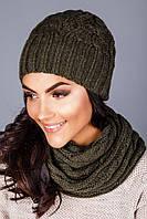 Теплый уютный вязанный комплект шапка с красивым узором и шарф-петля