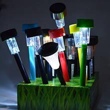 Садові світильники на сонячних батареях