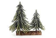 Елки декоративные с серебрянной присыпкой, на подставке из дерева