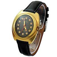 Позолоченные часы Чайка