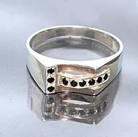 Серебряная печатка с золотыми вставками. Камень: циркон. Размеры с 19 по 20,5.