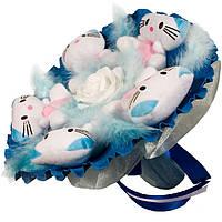Букет из мягких игрушек Котики в синем