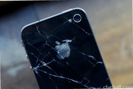 Как уберечь телефон от ударов и пыли?