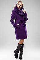 Красивое зимнее женское пальто с мехом в разных цветах