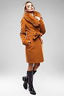 Модное зимнее женское пальто с мехом в разных цветах