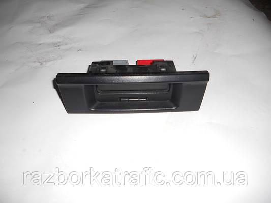 Информационный дисплей на Renault Trafic, Opel Vivaro, Nissan Primastar