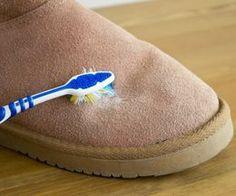 c2cf0dd31 Если обувь загрязнилась, то необходимо чистить ее сразу по пришествии  домой, а не ждать следующего дня. Для начала следует промочить обувь  ватными дисками ...
