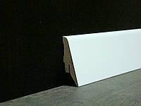 Плинтус напольный скошеный белый 19*55*2800 мм