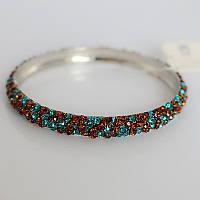 Элегантный женский металлический браслет на руку с камнями красного и голубого цвета