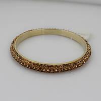 Элегантный женский металлический браслет на руку с камнями золотистого цвета