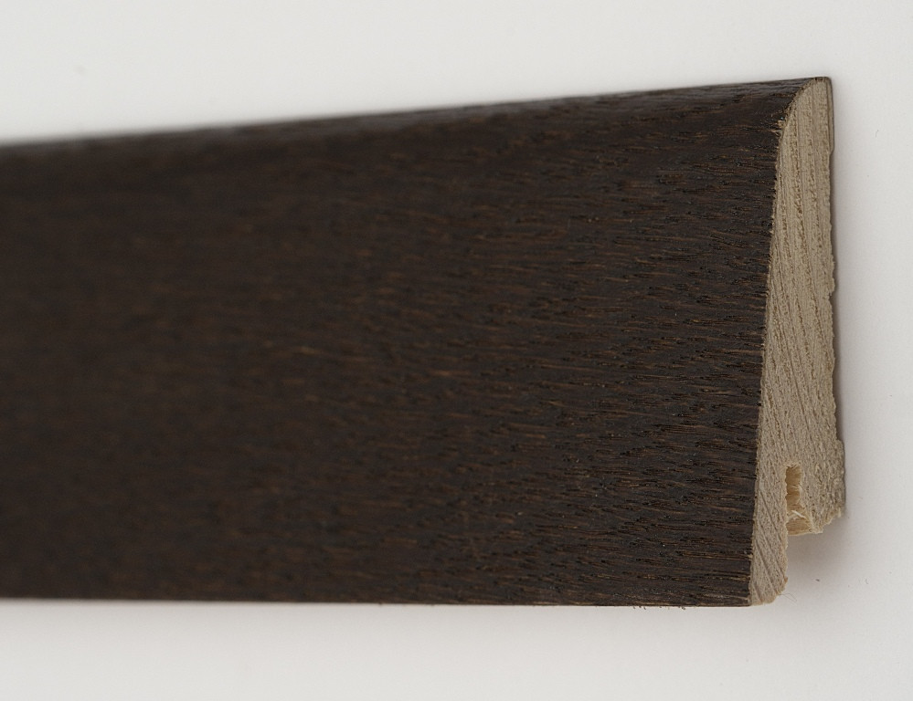 Деревянный плинтус из сосны 80х19х2200мм. Дуб Термо