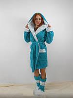 Женский домашний голубой с цветочными вставками махровый комплект: халат+сапожки для дома. Арт-4812