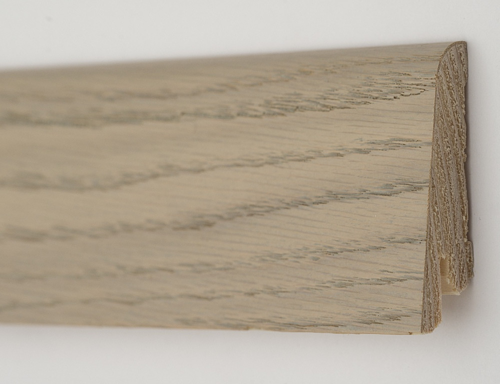 Шпонированный деревянный плинтус 60х19х2200мм., Дуб серебрянный