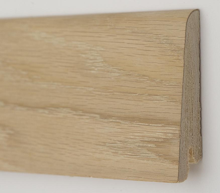 Плинтус деревянный скошенный 60х19х2200мм., Дуб шлифованный