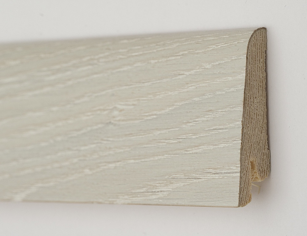 Деревянный плинтус из сосны шпонированный 60х19х2200мм., Дуб ледяной
