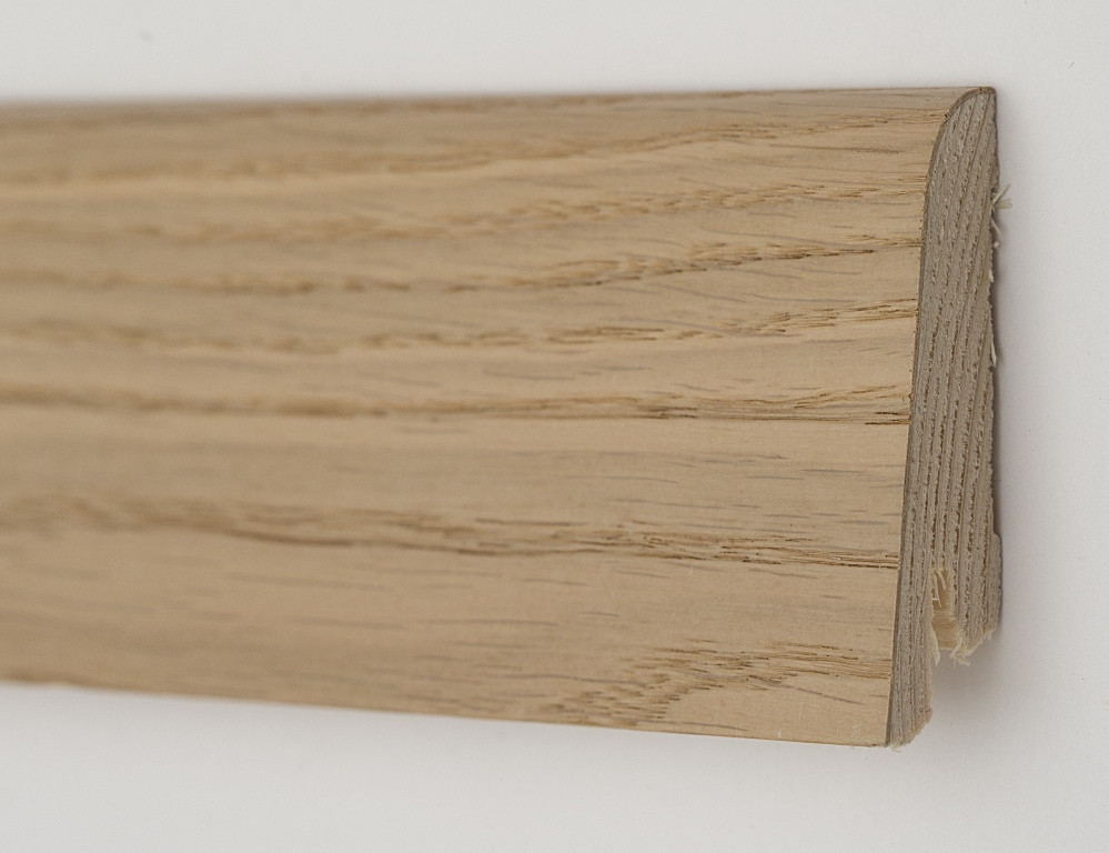 Плинтус напольный из сосны покрытый шпоном 60х19х2200мм., Дуб карамельный