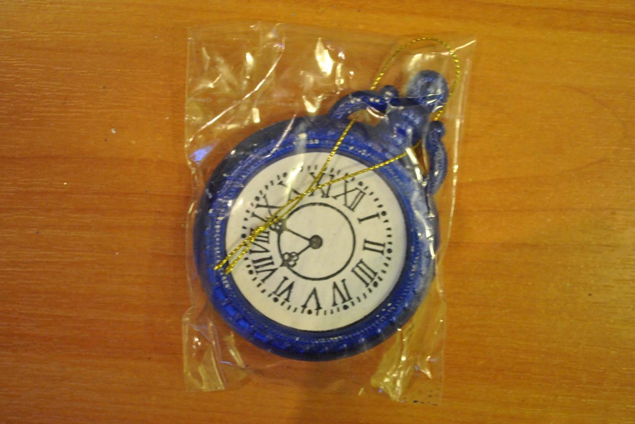 Новогодняя игрушка Часы