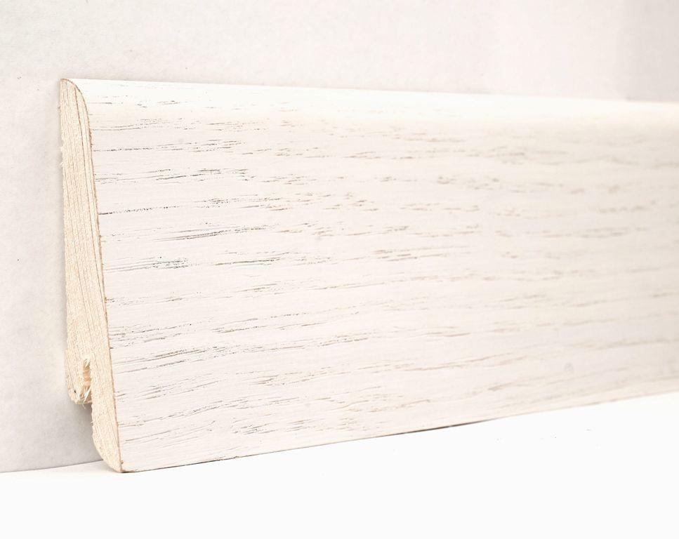 Плинтус деревянный напольный шпонированный 60х18х2400мм., Дуб белый