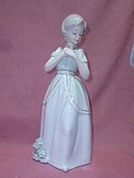 Декоративная фарфоровая статуэтка фигурка Девушка 31 сантиметр высота