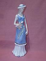 Декоративная фарфоровая статуэтка фигурка Девушка в шляпке 33 сантиметр высота
