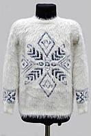 Теплый,нежный ангоровый свитер для девочки.