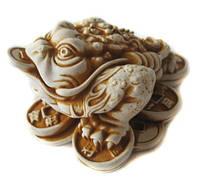 Нецкэ Жаба на монетах Символ богатства долголетия
