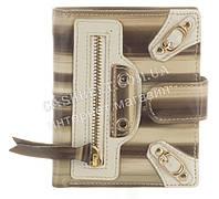 Лаковый небольшой прочный женский кожаный кошелек с визитницей Rog Bon art.R6069 серые полосы
