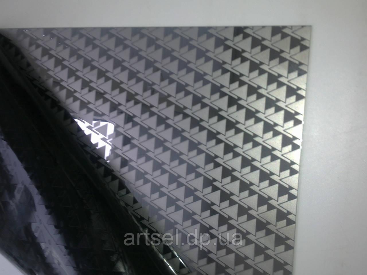 Лист нержавеющий декоративный 0,8мм 1,22х2,5 430 вид 4