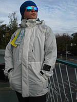 Лыжная куртка Burton прорезиненные швы и замки белая термо
