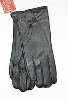 Демократичные кожаные женские перчатки