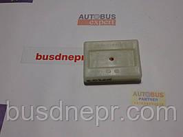 Кронштейн подушки пер. рессоры (белый) MB Sprinter 96- пр-во MERCEDES 9013220084