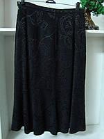 Женская юбка годе ниже коленчерного цвета