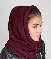 Красивый женский вязанный капор-хомут бордового цвета