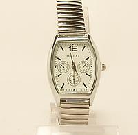 Часы  женские  кварцевые дешевые небольшие