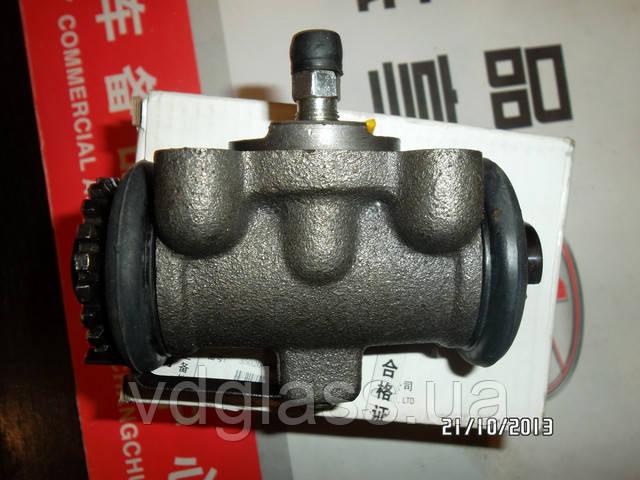 Цилиндр тормозной рабочий задний JAC 1020 штуцер-штуцер