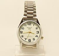 Часы наручные мужские  на браслете