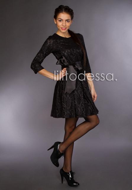 Коктейльное платье с поясом черный