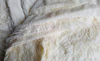 Модное меховое покрывало - плед с длинным ворсом цвет кремовый