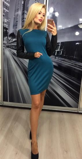 Платье с кожаными рукавами, зеленое