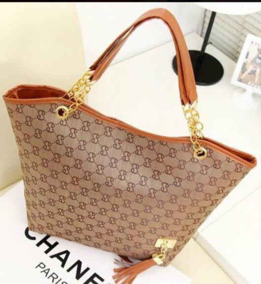 Легкая женская сумка