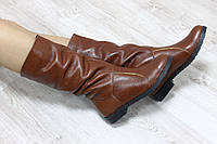Зимние натуральные кожаные сапоги без замка на на черной подошве