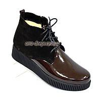 Женские демисезонные полуботинки на шнуровке, натуральный коричневый замш и лак., фото 1