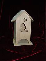 Шкатулка для чайных пакетиков в виде домика Зайка мечтающий о любви (10 х 10 х 23 см)