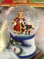 Снежный музыкальный шар с анимацией купить Новогодний подарок