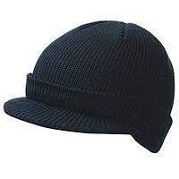 Темно-синяя вязаная шапка с козырьком