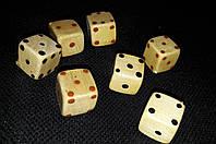 Кубики мини декоративные, дерево, лак, 2,5 см, 6\5 (цена за 1 шт. +1 грн.)