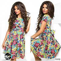 Яркое цветное платье клеш с поясом бантом